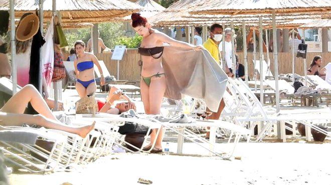 Aslıhan Güner bikini