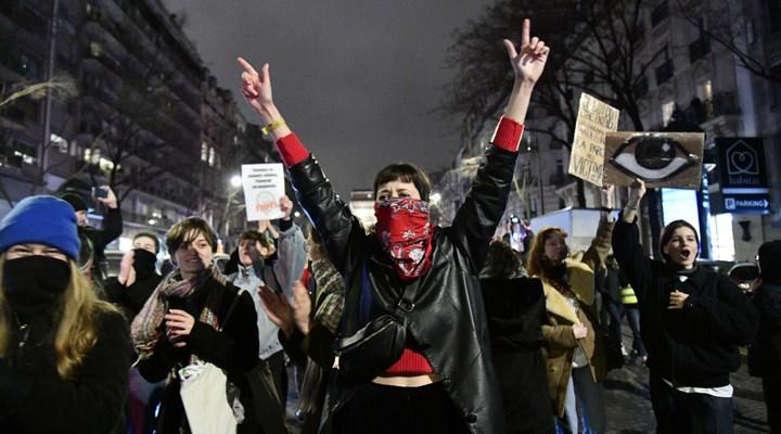 Polonya'da Kürtajıma karışma eylemi!